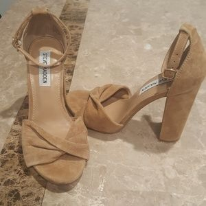 """STEVE MADDEN """"clever"""" chunky heels 7.5 M"""